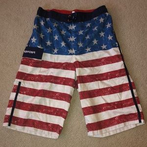 🇺🇸 Boys Swim Trunks (Boys XL)
